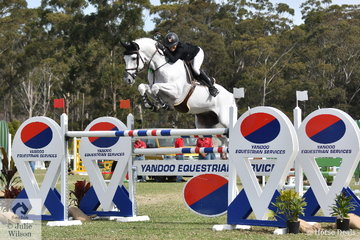 Katie Laurie jumped clear and four aboard the 2018 Willinga Park Grand Prix winner, 'Casebrook Lomond'. They took sixth place thanks to a great and fast second round clear.