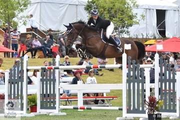 Chatham Park rider, Kate Hinschen rode her, 'Finch Farm Cadel'  to take11th place in the Willinga Park Grand Prix.
