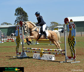 Nicala Lange and her beautiful palomino 'Marlee Park Indian Summer' competed on sunday morning in the showjumping phase of the EvA60 at the 2019 Toowoomba ODE.