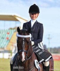 Runner Up Rider 17-21 years Sophie Walker.