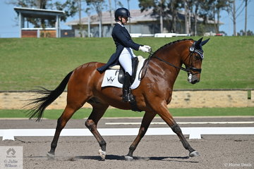 Faye Hinchcliffe rode GlendaHinchcliffe's, Revelry R to 10th place in the IRT FEI Prix St Georges with a score of 67.85%.