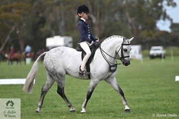 Aisha Heinrich claimed the Runner Up award in the class for Rider 9 AU 12 Years.