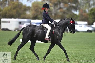 Harlow Lesko rode, 'Sandarah Dark Secret' to make Rider 9 AU 12 Years Top Ten.