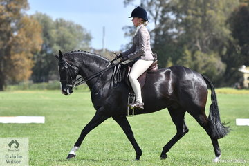 Poppy Fenning-Chester rode her, 'Common Ground D' to make Top Ten in the Child's Show Hunter Hack Championship.