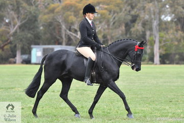 Jessica Balleggi rode Jacqui McGregor Thomas', Warranwood Nasa to make Top Ten in the Small Galloway Championship.