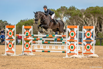Competition was strong in the Stal Tops Young Rider 130cm Jessica Rice-Ward and Denison Park Style placed mid-field in a large field of 44 combinations