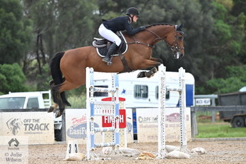 In very cold, damp and windy conditions, Chelsea Kessey from WA rode her, 'Diamond B Vigo' by Vivant in the Interpath Mini Prix Final.