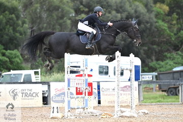 Olivia Hamood rode Alan III Z to tenth place in the Interpath Mini Prix Final on day four of the Pryde's EasiFeed Australian Jumping Championships.
