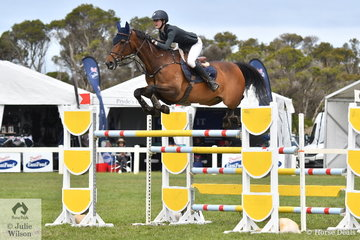 Successful Young Rider, Jessie Rice-Ward from NSW has experience and composure beyond her years. She rode her well performed, 'CP Southern Cross' to claim the 2019 IRT Young Rider Australian Showjumping Reserve Championship.
