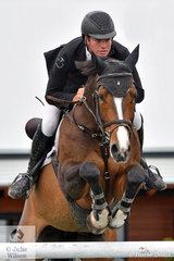 With his eyes on the prize, Tom McDermott rode the McDermott family's, imported Clinton mare, 'Elegance de la Charmille' to claim the 2019 Pride's EasiFeed Australian Senior Showjumping Championships with a total of four penalties over the three competitions. This is the second Senior title for Tom as he claimed it in 2012 as a 19 year old.