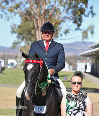 "Judge Kaylene McCarthy with The BUDDY EQUESTRIAN Runner Up Small Hack ""WW Kid Rock"", owned by Rachel Monaghan and ridden by Paul Austin."