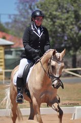 The inaugural recipient of the Sharon Kirby Memorial Encouragement Award, Lauren Smart, riding Whispering Willow in the Novice 2B.