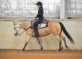 This Chics No Wimp ridden by Rebecca Nixon in the Amateur Ranch Riding