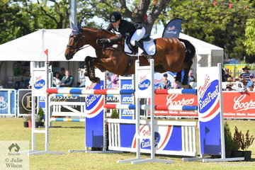 After a brilliant cross country run yesterday, Amanda Pottinger and, 'Just Kidding' from New Zealand, the tough showjumping phase saw them slip from second to fourth place overall in the the Mitsubishi CCI5*-L.