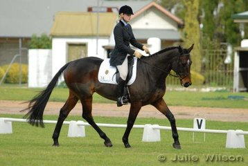 Amanda Archer and 'Kimutai' are sixth in the Rymill Coonawarra Preliminary competition after the dressage phase.