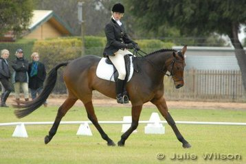 Belinda Arnold and 'Night Edition' are in sixth place in the Horse Deals CIC* after the dressage phase.