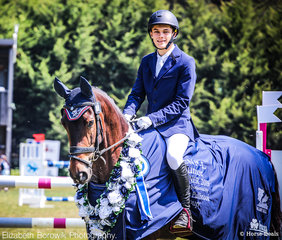 William David and Lamondale Giorgio look proud as they make their way into the arena for the presentation of the GPG CCN1*-L JNR class.