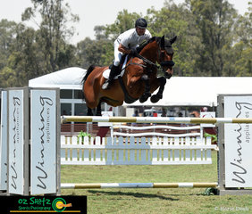 Riding first out in the Mini Prix Qualifier AM5 at the 2019 Sydney Summer Classic was Billy Raymont riding his horse YPH Capulet.