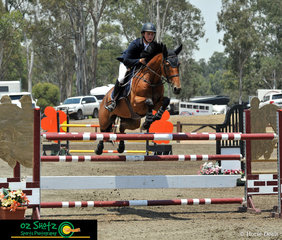 Scoring a great time of 65 seconds, Will Dight and Thea settled near the top of the pack in the Young Rider Series 1st Qualifier.