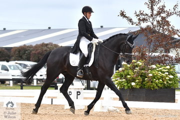 Natasha Althoff-Kelley rode Wessell to sixth place in the FEI Prix St Georges, scoring 66.47%.