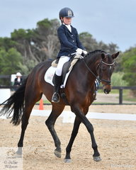 Alice Lawrence rode Samba De Janeiro to sixth place in the Elementary 3C Horse class.