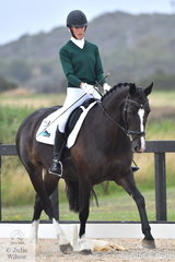 Sophie Griiffiths from NSW rode Margherite to fifth place in the Toorak College Interschools Senior Novice 2A.
