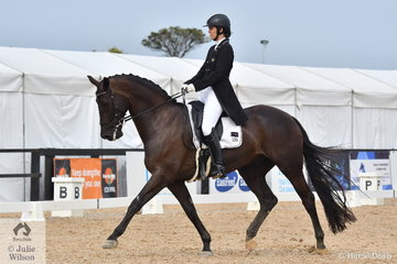 Dana Krause rode Taittinger VDS to win the Carol Haynes Advanced Freestyle.