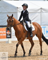 Oscar Tiders rode Snickers Satisfies in the Stable Ground Participation 1B Junior.