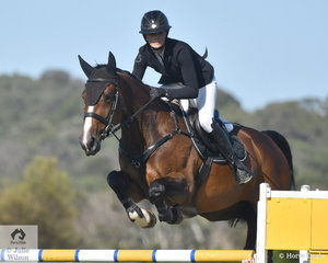 Tesse Cook rode Rimfire Park Vogue to fifth place in the Leader Equine Future Stars.