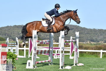 Georgie Siciliano from Western Australia rode Gladiator P to sixth place in the Leader Equine Future Stars.