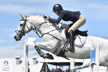 Tori Stuckey rode a nice round but had a couple of late rails riding Finch Farm Cab Sav in the Browns Sawdust World Cup Qualifier.