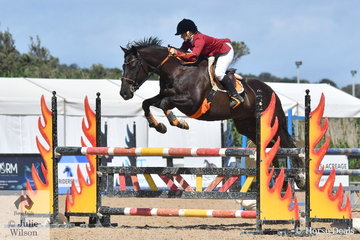 Tasmanian Jo Geard rode the unsussessful ex-race horse, Ambervale Smudge to win the OTT Championship.