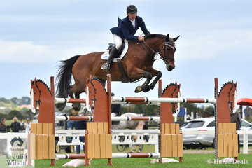 Paul Brent rode Kablesse Kavita to second place in the hottly contested Mini Prix.