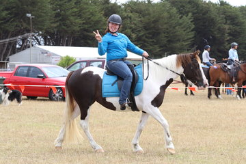 Local rider Nakita Lin having a lovely day out on her young horse.