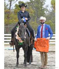 Open Trail feature winner, Rachel Robinson on Doin It Downunder, with Judge Craig Rath (Vic)