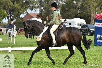 Arielle Stella rode Beverley Richard's, 'Ariston Liaison' to take third place in the Child's Large Show Hunter Galloway Championship.