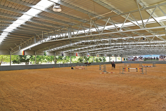 The massive indoor arena is 35m x 75m with a Martin Collins surface and overhead sprinklers.