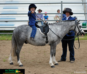 Demonstrating  how quiet Poesie De Carnevale is, Sam Nothdurft was happy to sit behind the saddle during the class for quietest pony at the 2020 Killarney Show.