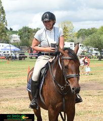 With a coffee in hand, Mandy Gillan and Ava are very relaxed at the 2020 Killarney Show, this duo competed in the 65cm AM7 Class placing third.