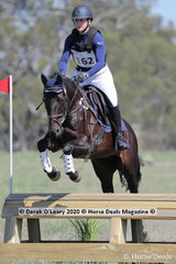 """Michela Agnoletti in the EVA80 Section B riding """"Highfield Summer Willow"""""""