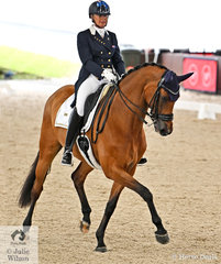 Mary Hanna rode her Calanta to post a personal best and Australian record in the Grand Prix Freestyle , with 76.205% to win the Willinga Park Grand Prix Freestyle CDI4*.