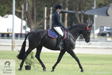 Charlotte Richardson rode the Vancouver Park nomination, 'Brierly Scarlett' to take second place in the class for Ridden ANSA Over 16hh and they went on to claim the Ridden ANSA Reserve Championship.