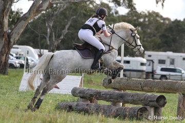 Out on course, M Treloar with Mappinga Popshot