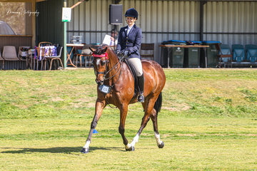 The impressive Belarusian, 2019 Melbourne Royal Show reserve champion hack was ridden by new owner Alyssa Guistozzi on their return to the show ring.