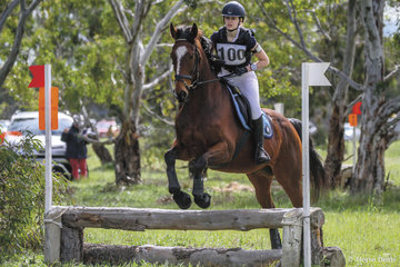 Alysha Donald riding 'Charles' claimed 3rd place in the 65 Div