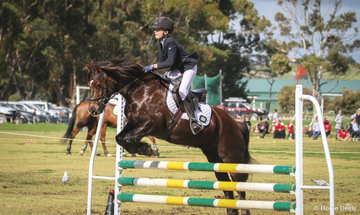 Zara Young riding 'Alcheringa Brychan in the 80 class.