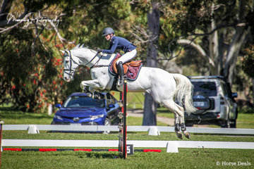 'Wolverine' ridden by Lisa Dewhurst had a great couple of rounds to take 2nd Place in the Caitlin Forrest Memorial Junior Championships.
