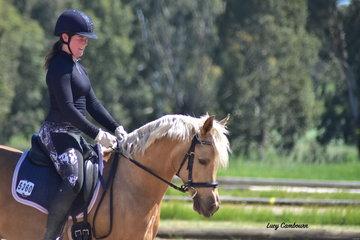 Rebecca Dwyer riding Gleniph Light My Fire