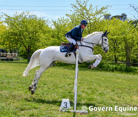 Grant Hughes and Emmaville Blue Diamond in the 1.20m on Day 1