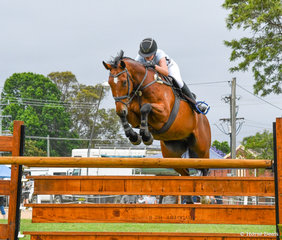 Jasmine Haynes and Croissant in the 1.25m on day 1